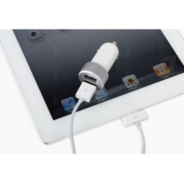 Chargeur CE allume cigare double blanc USB iPhone iPod iPad
