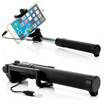 Extensible selfie stick with integrated trigger