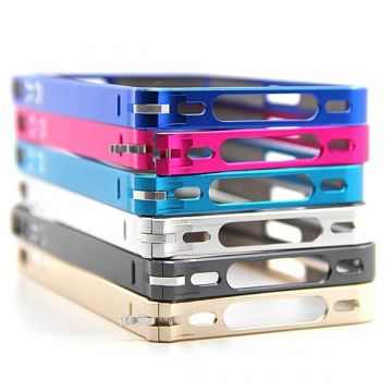 Bumper ultra-fin Aluminium  0,7mm iPhone 4, 4S